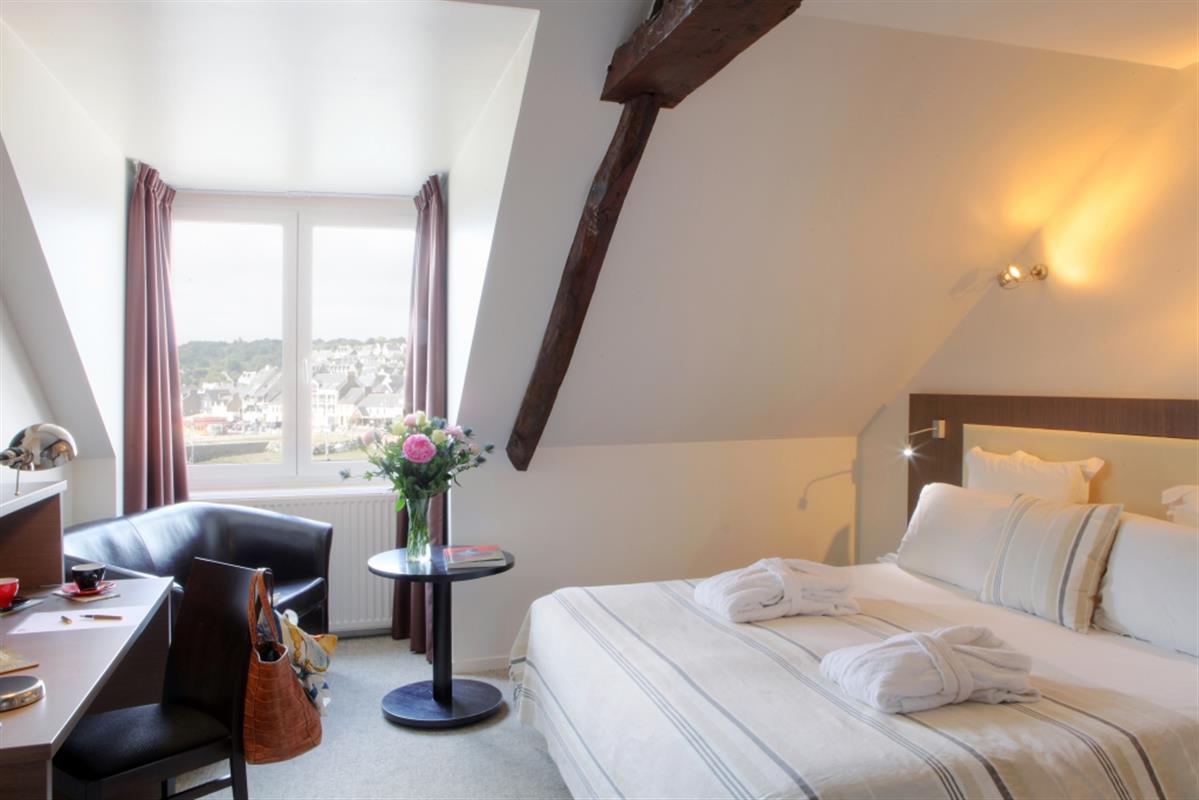 Tarifs hotel pas cher binic baie de saint brieuc le for Tarifs hotel